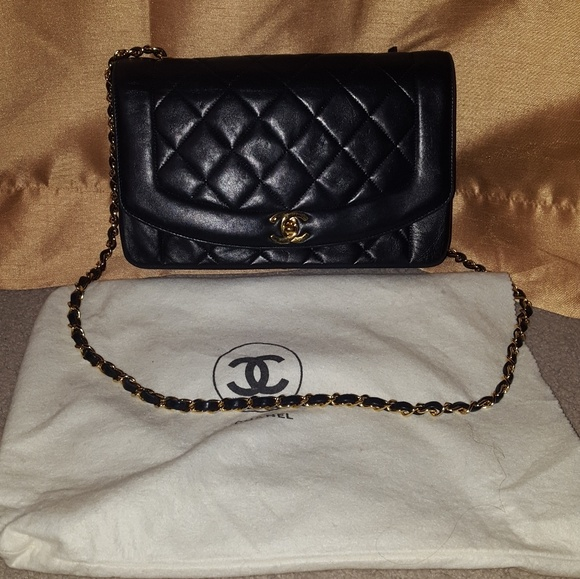 5e9df593b428 CHANEL Handbags - Vintage Black Chanel Lambskin Quilted Purse